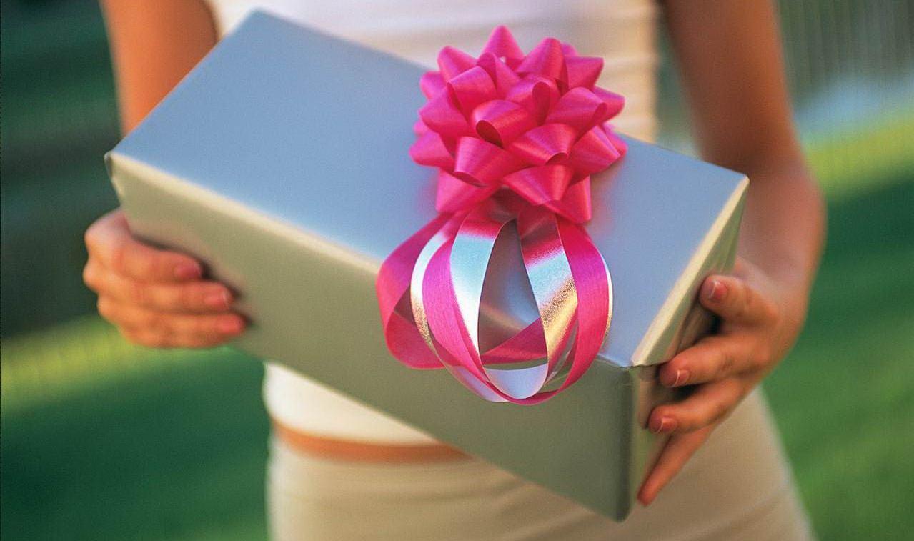 Памятный подарок девушке своими руками